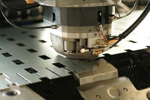 Какви изделия се изготвят от листови материали?