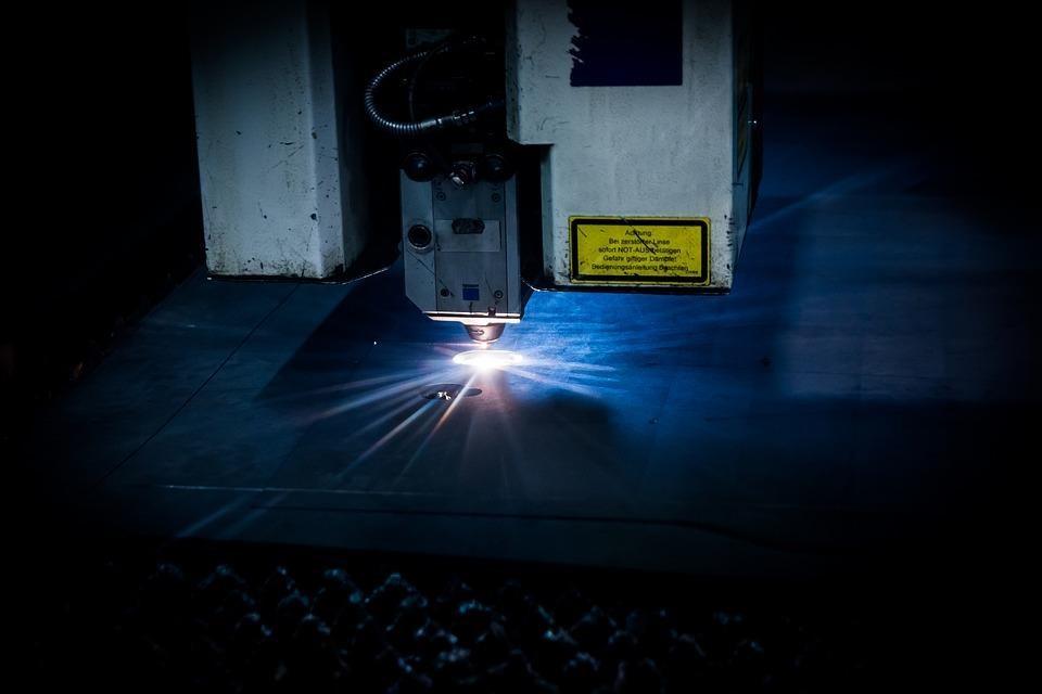 Видове машини за лазерно рязане  1000д.